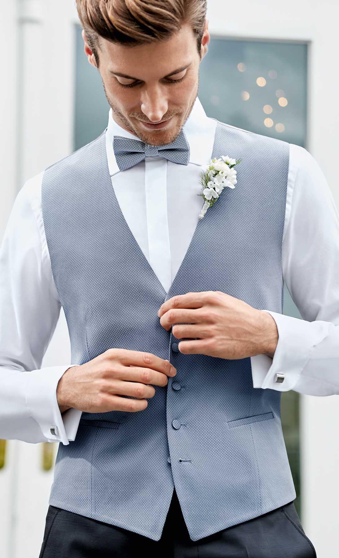 Hochzeits-Accessoires Komposition in blau grau von WILVORST
