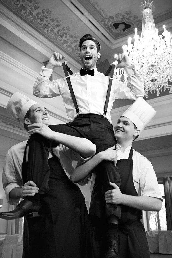 Bräutigam mit Hosenträgern und Fliege von WILVORST schwarz